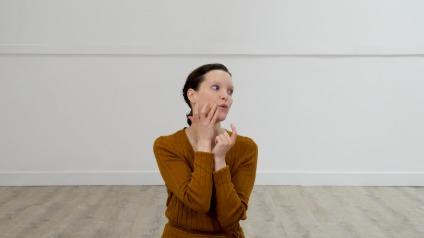 Yoga du visage : Le contour des lèvres
