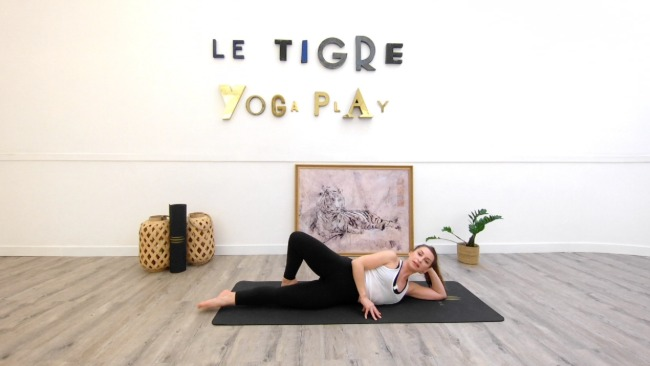 Work out barre au sol : Jambes fuselées